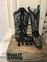NEW CORRAL BOOTS SIZE 9 in Baytown, Texas