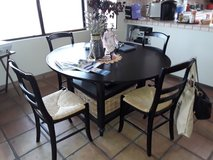 Pottery barn Kitchen table and chairs in Yucca Valley, California