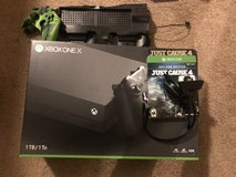 XBOX ONE X !!1TB with extras in Fort Campbell, Kentucky