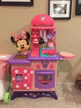 Minnie Mouse play kitchen in Chicago, Illinois