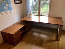 Executive Office Desk - Solid Cherry Wood in Stuttgart, GE