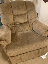 RELCLINER BRAND NEW in Lackland AFB, Texas