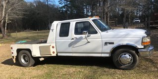 93 Ford 1ton in Leesville, Louisiana