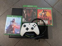 X-Box One w/popular games and headset in Stuttgart, GE