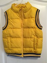 Toddler Boys Puffer Vest (yellow, navy blue & white) size 5T in Byron, Georgia