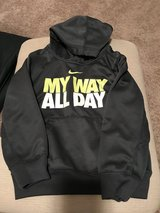 Boys Nike Sweatshirt Size 4 in Naperville, Illinois