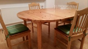 Dinning table with 4 chairs in Baumholder, GE