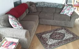 Broyhill Corner sectional couch in Wiesbaden, GE