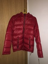 Mens guess red puffer jacket size medium in Aurora, Illinois