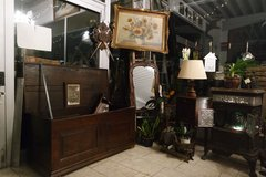 Sale at Angel Antiques in Spangdahlem, Germany