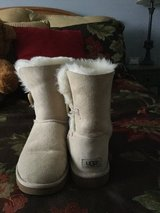 Ugg Bailey Button boots in Bolingbrook, Illinois