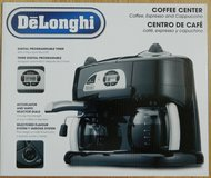 Delonghi Coffee/Espresso Machine - New in Aurora, Illinois