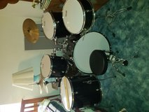 VLH Drum set (this $ price it's a steal!) in Fort Leonard Wood, Missouri