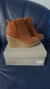 Shoes size 10 (euro 40) new in Wiesbaden, GE
