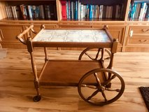 antique Rolling Tea table in Stuttgart, GE