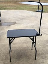Grooming Table in Fort Polk, Louisiana