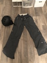 Women's Small Snowboard pants & helmet in Ramstein, Germany