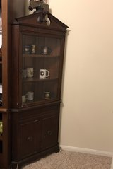 Antique Corner Curio/China Cabinet in Baytown, Texas