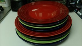 8 pc New LeCreuset plates in Warner Robins, Georgia