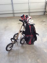 men's Top Flight clubs 3-9 driver putter bag boy pull cart plus bag in Warner Robins, Georgia