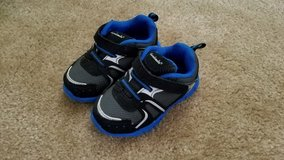Like NEW!! Garanimals Shoes, Size 5 in Clarksville, Tennessee