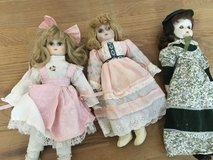 3 Antique dolls in Glendale Heights, Illinois