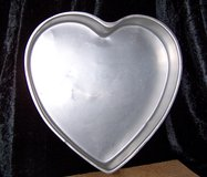 "Jumbo 13"" HEART CAKE PAN in Alamogordo, New Mexico"