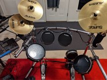Alesis electronic drum set + Amp + Throne DM10 in Fort Meade, Maryland