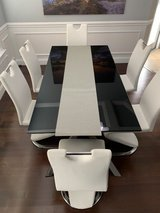 Modern Dining Table and 6 Chairs in Warner Robins, Georgia