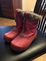 Girl Snow Boots in Naperville, Illinois