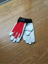 Outdoor medium size leather working gloves (New) in Okinawa, Japan