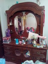 Dresser with mirrors in Fort Polk, Louisiana