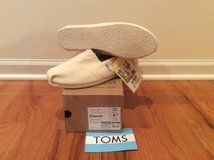 TOMS classic canvas shoe NEW w/tag in New Lenox, Illinois