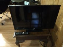 "32"" RCA flat screen TV with built in DVD player in Leesville, Louisiana"