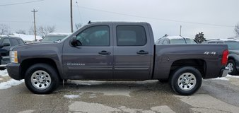 2010 CHEV SILVERADO CREW CAB 4WD PICKUP in Fort Leonard Wood, Missouri