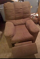 used recliner works well comfortable in Kingwood, Texas