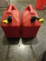 5 gallon gas cans x2 in Fort Leonard Wood, Missouri