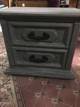 2 drawer end table in Alamogordo, New Mexico
