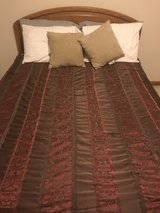 Queen Size Bed in Lockport, Illinois