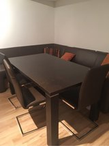 dining table set in Stuttgart, GE