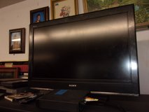 """32"""" Sony Television With Remote in Fort Riley, Kansas"""