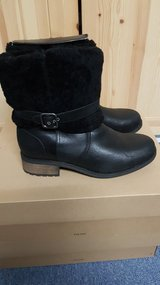 UGG Blayre 2 Black New in Box in Ramstein, Germany