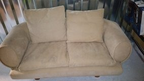 Worst Couch Ever - The Hateseat in Warner Robins, Georgia