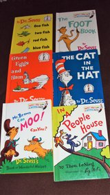 Dr. Seuss (6) Children's books, Cat is Hat, People House, Foot, Moo, Green Eggs, Fish in Alamogordo, New Mexico
