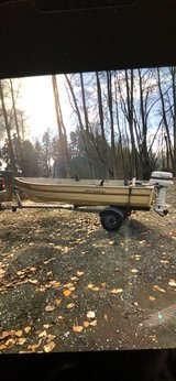 Deep Fisherman 14 foot boat in Fort Lewis, Washington