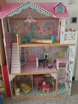 kidcraft wooden dollhouse in Stuttgart, GE