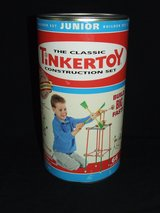 Classic Tinkertoy Junior Construction Set / Wood pieces in Glendale Heights, Illinois
