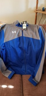 Under Armor Jacket Size L New in Fort Campbell, Kentucky