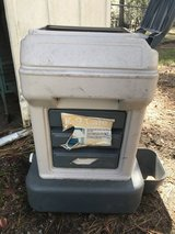 K-9 Dog Feed & Water Holder in Beaufort, South Carolina