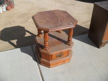 ***  Cool Little Table  *** in 29 Palms, California